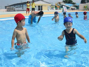 年中プール活動